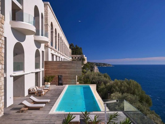 Service Remains Key to Success in Luxury Riviera Market