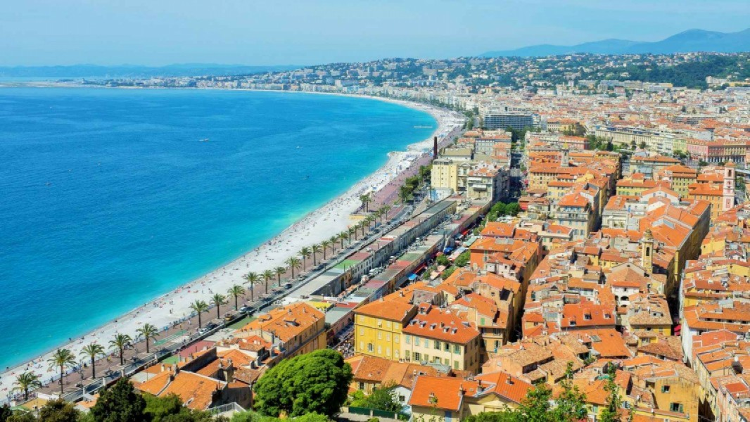 View over Nice from Colline du Chateau by Kristoffer Trolle via Flickr CC BY 2.0.2.